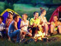 Кто имеет право получать льготные путевки в детский летний лагерь с частичной оплатой (20, 30 и 50%)?