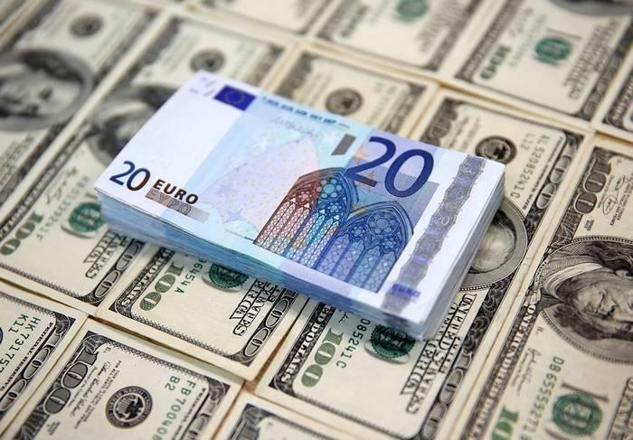 Курс валют от НБУ на 17 мая 2017. Доллар дешевеет, евро дорожает