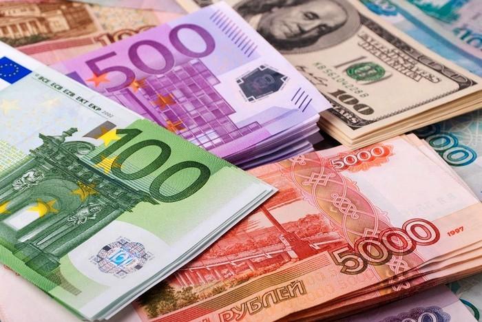 Рекордный обвал гривны: достигнуты антирекорды по рублю и евро