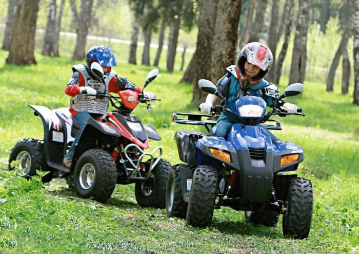 Особенности детских квадроциклов на бензине