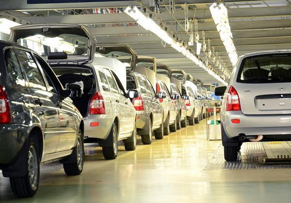 В Российской Федерации продажи авто сократились вдвое, - Автостат