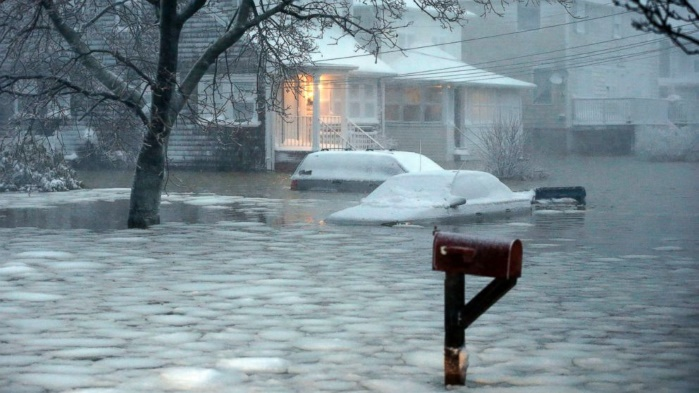 Ледяной плен: город в СШАсначала затопило, а потом заморозило