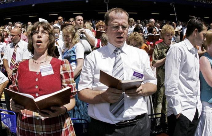 """Террористы """"ЛНР"""" вслед за Кремлем запретили деятельность """"Свидетелей Иеговы"""""""