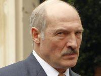 Лукашенко увидел угрозу в интернете и СМИ