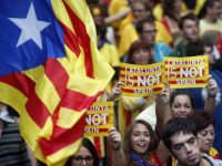 Мадрид угрожает взять под контроль Каталонию, если Пучдемон не определится с декларацией о независимости