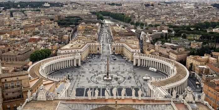 «Макдональдс» открыли в Ватикане несмотря на протест кардиналов
