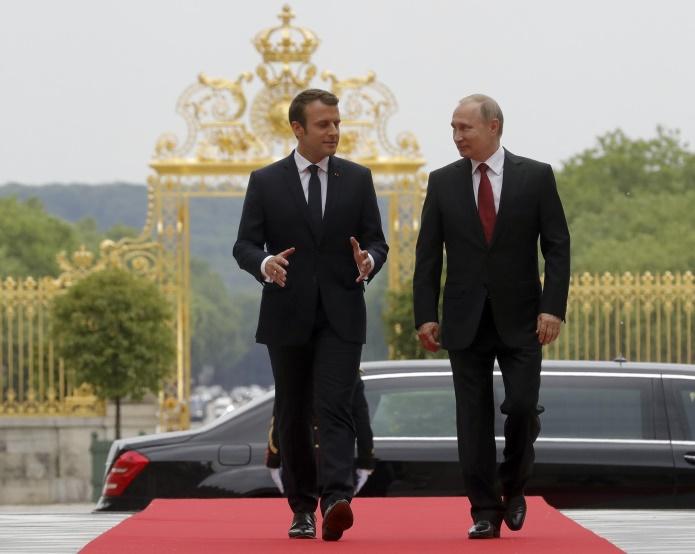 Макрон готов официально посетить Санкт-Петербург
