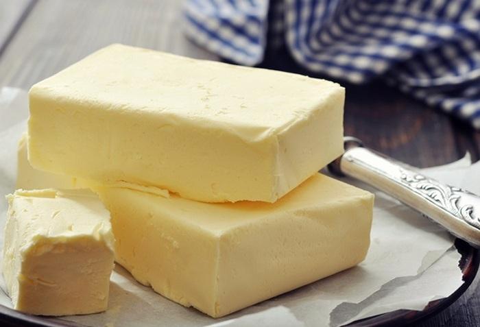 Как определить самостоятельно качество сливочного масла? Натуральный продукт или подделка и фальсификат фото масла