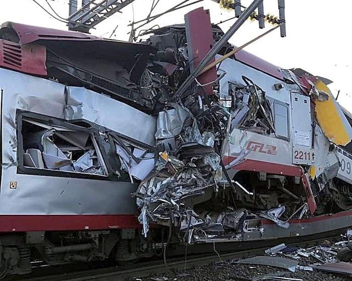 Масштабная авария на железной дороге: в Люксембурге столкнулись поезда (фото)