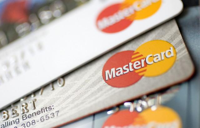 MasterCard в Великобритании «научилась» распознавать лица плательщиков