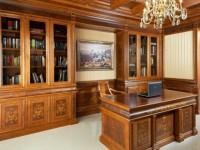 Мебель из массива в оформлении дизайна интерьера