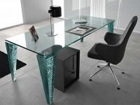 Стеклянная мебель для офиса: преимущества и особенности