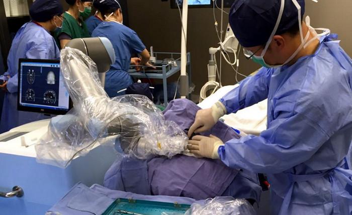 Медицинские роботы Китая опережают иностранных конкурентов
