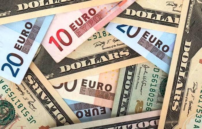 Межбанк Украины 13 июня 2017. Доллар и евро дешевеют