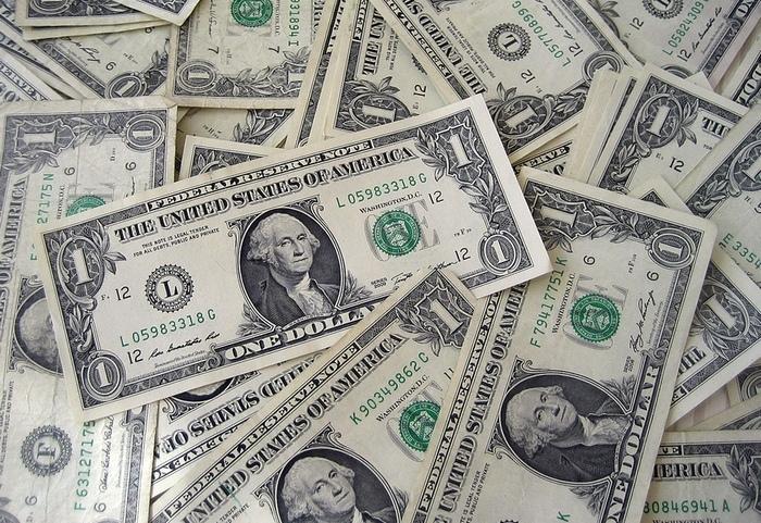 Межбанк Украины 18 апреля 2017. Доллар падает, евро растет