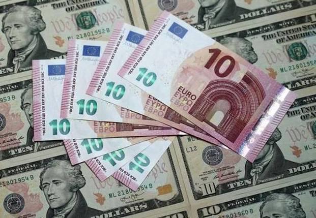 Межбанк Украины 9 июня 2017. Доллар стоит на месте, евро падает