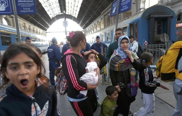 Из-за беженцев Австрия приостанавливает железнодорожное сообщение с Венгрией
