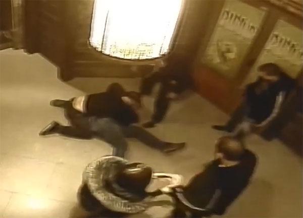 Мусорской беспредел в ночном клубе Херсона (видео)