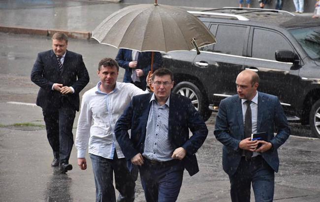 На 70% увеличивают зарплаты прокуроров, — Луценко