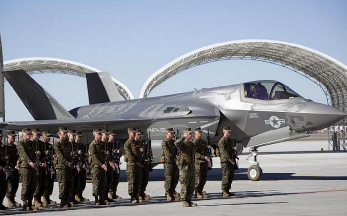 На авиабазе морской пехоты США в префектуре Ямагути развертываются истребители F-35B
