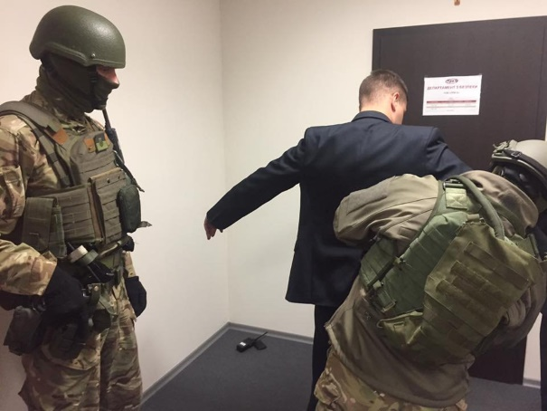 """Нацполиция арестовала """"мусорные"""" ценные бумаги на 40 миллиардов гривен"""