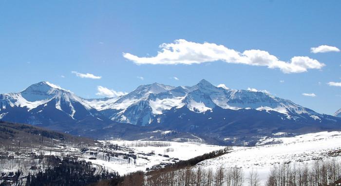 НАСА планирует замерить количества снега в горах Колорадо