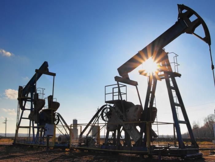 Нефть марки Brent впервые превысила 65 долларов с 2015 года