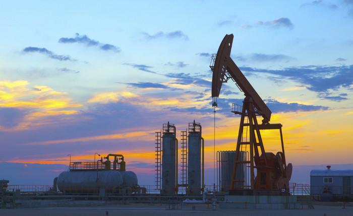 Нефть подорожала до 70 долларов за баррель впервые за три года