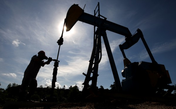 Нефтяным компаниям понадобится более 550 миллиардов долларов на выживание - Bloomberg
