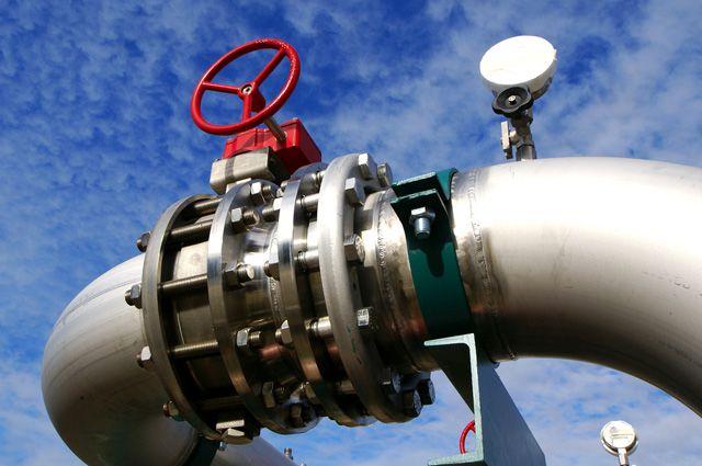 Несмотря на рост экспорта, доходы России от нефти и газа упали на треть