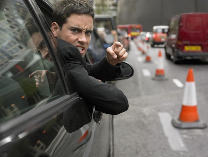 Немецких водителей штрафуют за неприличные жесты