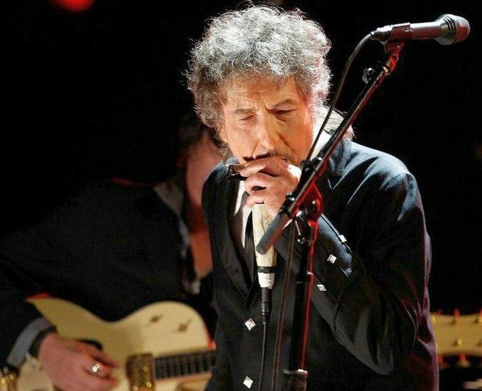 Нобелевская премия - 2016: лауреатом по литературе стал известный музыкант Боб Дилан
