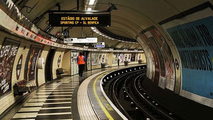 Ночное метро начало работать в Лондоне