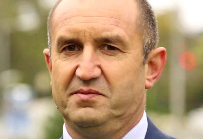 Новоизбранный президент Болгарии Румен Радев выступает за отмену санкций против России