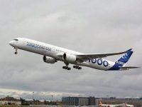 Новый крупнейший пассажирский самолет Airbus A350 поднялся в небо