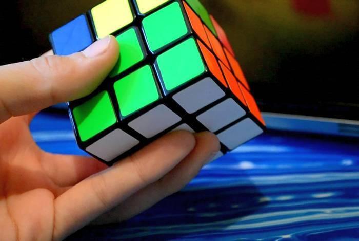Новый мировой рекорд: кубик Рубика собран роботом менее чем за секунду