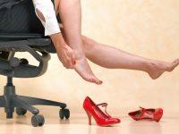 Что делать, если обувь натирает щиколотку, пятку, пальцы. Простые советы: что помогает от натирания обуви