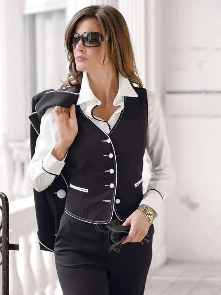 Особенности классического стиля женской одежды