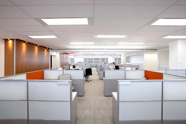 Алюминиевые перегородки для офиса: преимущества и особенности