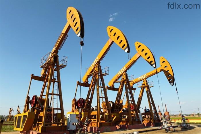 Агентство Standard & Poor's ухудшает прогноз цен на нефть