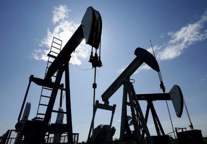 После обвала до 47 долларов нефть Brent пошла вверх