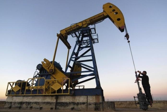 2 апреля цены на нефть падают: Brent идет к $55, WTI - к $49