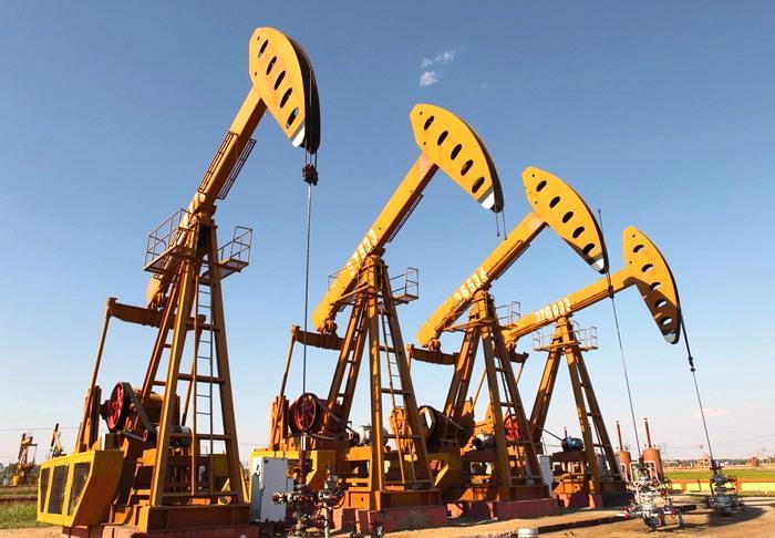 После совещания ОПЕК нефть Brent держится выше 50 долларов