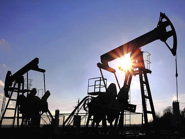 4 ноября нефть в небольшом плюсе: Brent — выше $50, WTI держится в районе $48