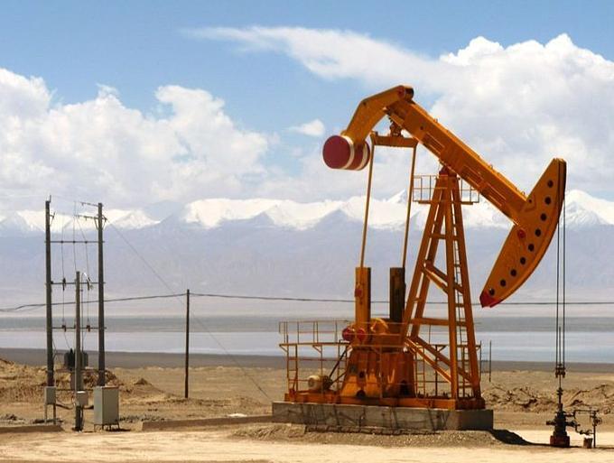 5 мая цены на нефть не спешат падать, несмотря на рост доллара и ситуацию в Йемене