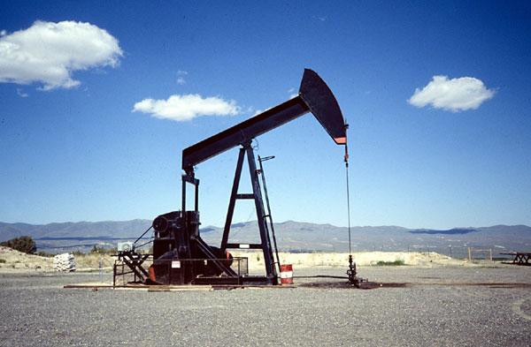 Цены на нефть нехотя растут на фоне увеличения запасов нефти в США и увеличения добычи в Венесуэле