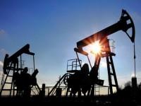 Нефть падает в цене. Предложение превышает спрос. Падение доллара не повлияло на ситуацию