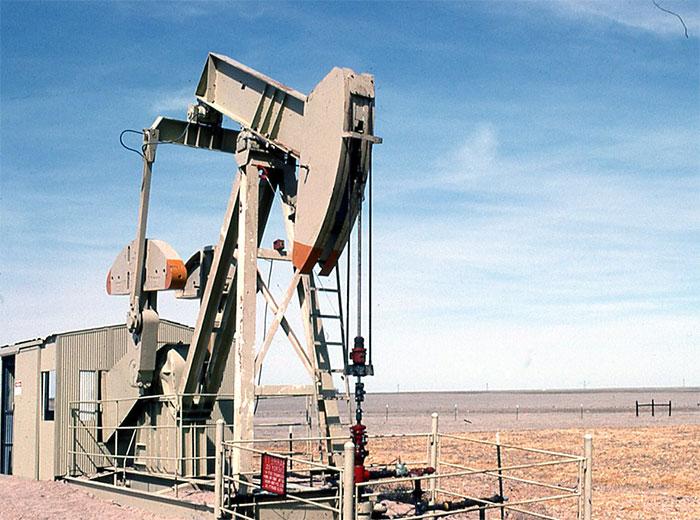 Неделя закончилась обвалом цен на нефть - Brent опускалась ниже 48,5$ , WTI стремится к 43$