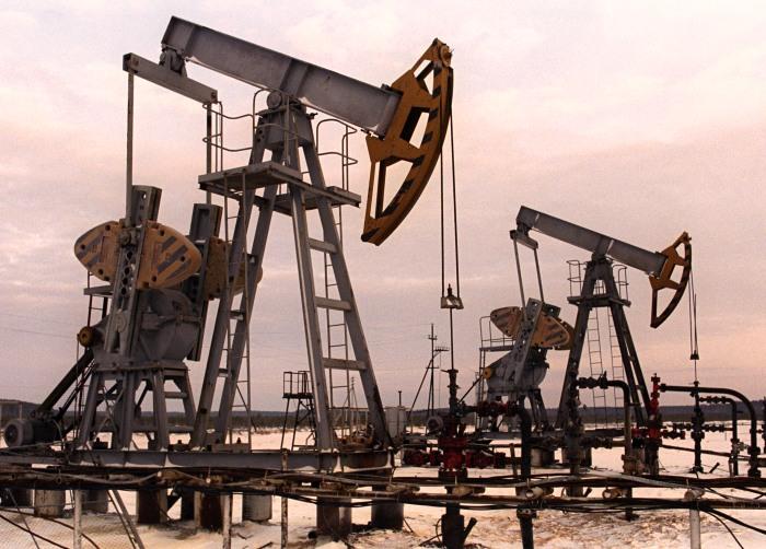 Психологический барьер пересечен: нефть упала ниже $30 за баррель