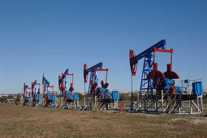 После публикации данных о запасах в США нефть значительно подорожала: Brent идет к $63, WTI перевалила за $56